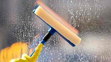 Obtenga la garantía de que sus cristales y marcos de ventana estén siempre limpios y relucientes. Trabajamos domicilios particulares, oficinas, escaparates y todo tipo de cristalería.