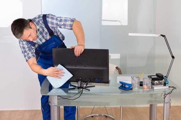 Su negocio estará siempre en perfectas condiciones y nuestro equipo se adaptará a su horario laboral. Servicios puntuales y limpiezas recurrentes.